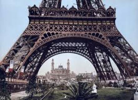 Exposición Universal de París L LA IMPORTANCIA DE LA MODA A TRAVÉS DE LA HISTORIA