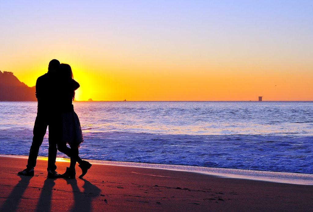 couple INCOMPRENSIONES DE PAREJA EN NAVIDAD