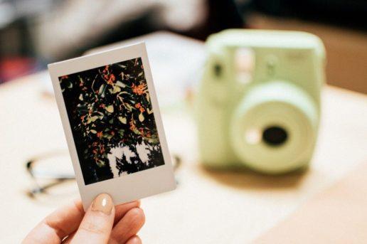fotocamera fuji  LA POLAROID FOTOCAMERA ISTANTANEA