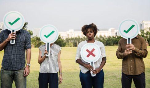 rechazado discriminado discriminar rechazo marginar  LA EDUCACIÓN EMOCIONAL