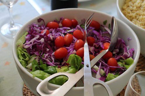 comida ensalada alimentos saludables vitamians vegano ¿EN QUÉ CONSISTE LA DIETA VEGANA?
