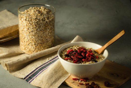 avena cereali collazione proteine vitamine saludabile IN COSA CONSISTE LA DIETA VEGANA?