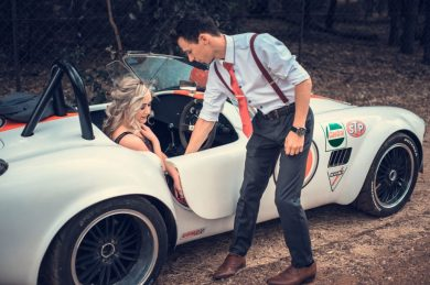 pareja enamorados cita amor galantería coche GUÍA PARA EL AMOR: CÓMO ENAMORAR A UNA MUJER