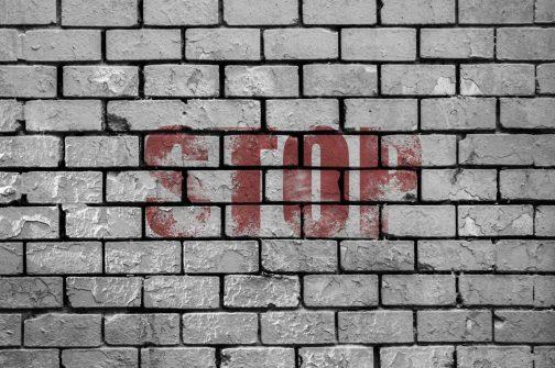 stop muro QUANDO CI RIFIUTANO PERSONE CHE NON CI CONOSCONO