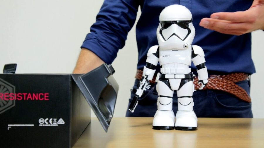 Tom's Selec - robot stormtrooper first order