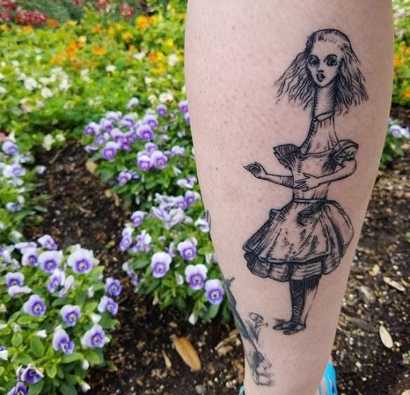 Su geek tattoo best of tattoo alice wonderland pays merveilles