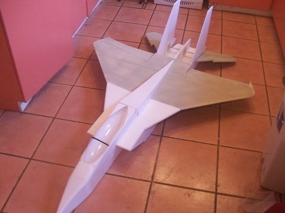 Aeromodelo em Depron F-15