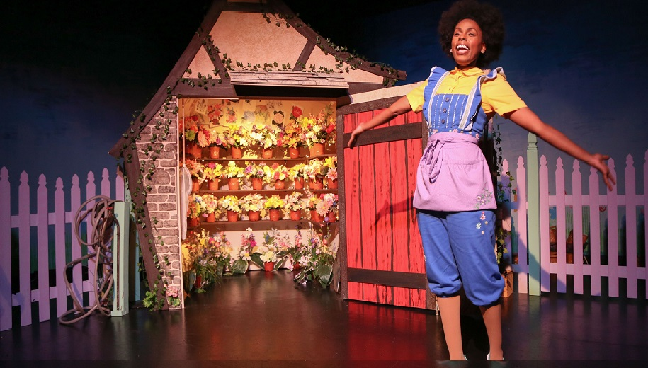 Tamiko Robinson Steele in 'The Itsy Bitsy Spider'