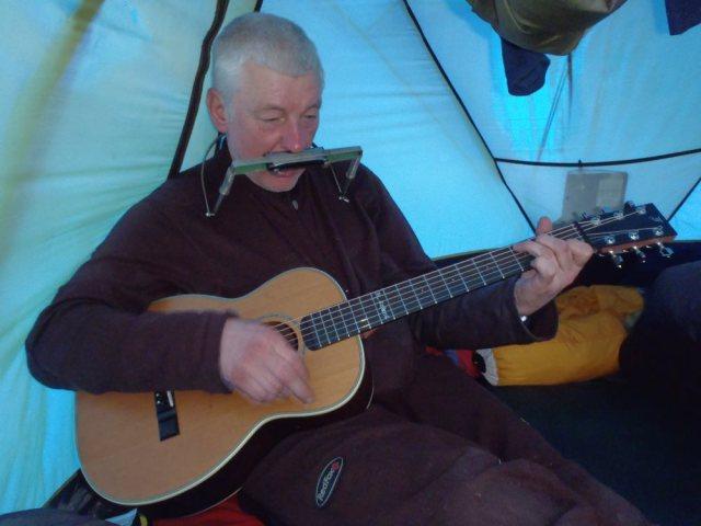 Miroslav performs