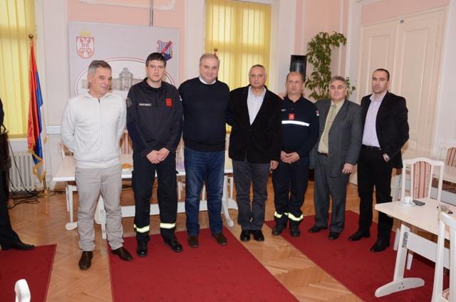 Photo of VELIKO GRADIŠTE: Obeležen Dan vatrogasaca i prosvetnih radnika (FOTO/VIDEO)