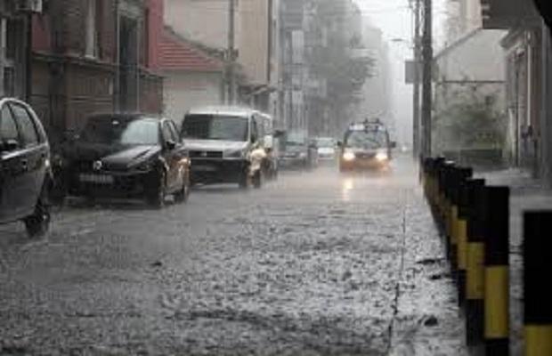 Photo of METEOROLOZI UPOZORAVAJU: Spremite se za potop i susnežicu!
