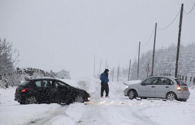 Photo of POLA EVROPE POD SNEGOM: Nezapamćene temperature ove zime odnele blizu 70 života!
