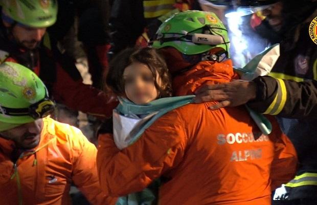 Photo of SLAVLJE U ITALIJI: Sva deca spasena iz ruševina zatrpanog hotela! (VIDEO)