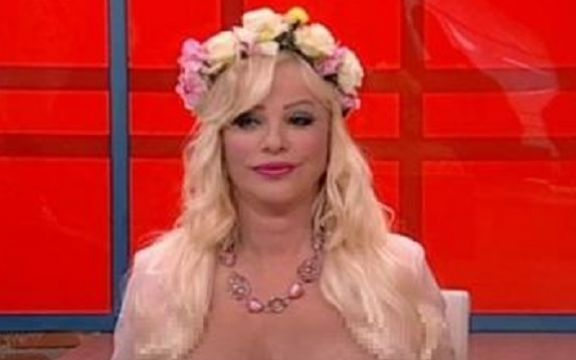 Photo of BRUKA U JUTARNJEM PROGRAMU: Ćićolina pokazala gole grudi Milomiru Mariću! (VIDEO 18+)