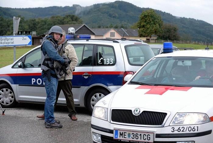 Photo of POTERA ZA SRBINOM U AUSTRIJI: Švercovao migrante, policija pucala na njega, ali im pobegao! (FOTO)