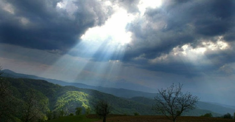 Photo of DO 20 STEPENI: Danas promenljivo oblačno i suvo