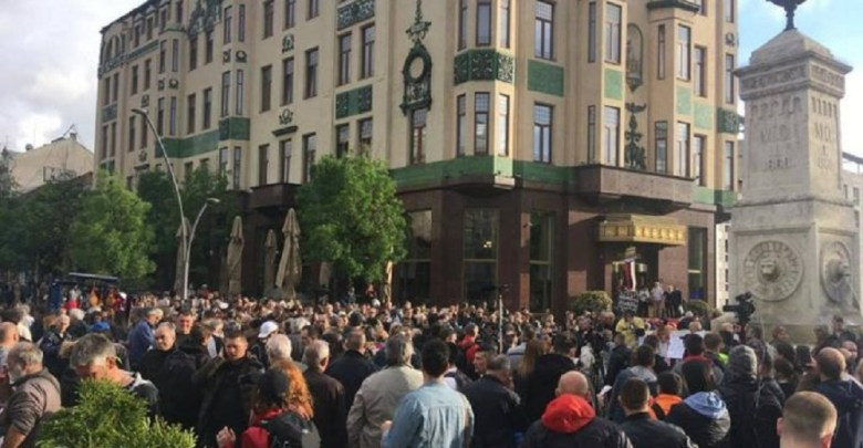 "Photo of OPOZICIJA NE ODUSTAJE: Održan 26. protest ""Jedan od pet miliona"" u Beogradu (VIDEO)"