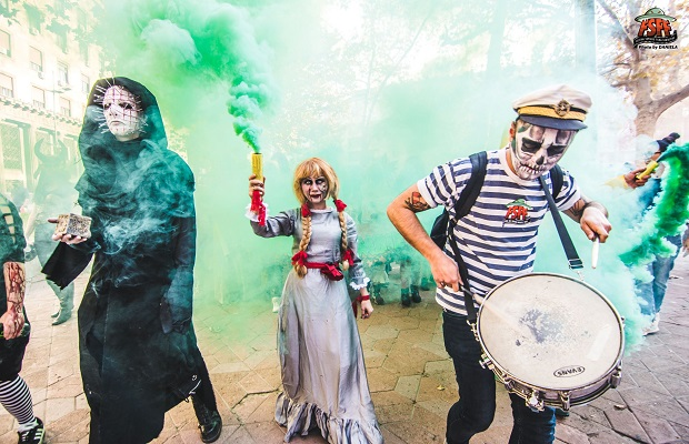 Photo of FESTIVAL FANTASTIKE: Zombiji prošetali ulicama Beograda (FOTO)