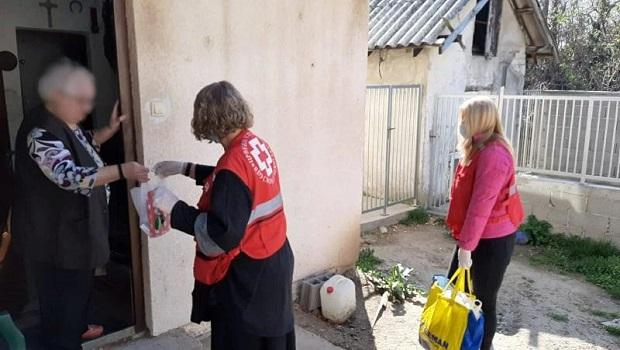 Photo of SVAKOG DANA: Volonteri Crvenog krsta Požarevac, pomažu najstarijima