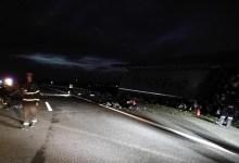 Photo of KAMIONDŽIJA IZ SRBIJE IZAZVAO NESREĆU U HRVATSKOJ: Pukla guma, prešao u suprotnu traku i pokosio putnički auto (FOTO)