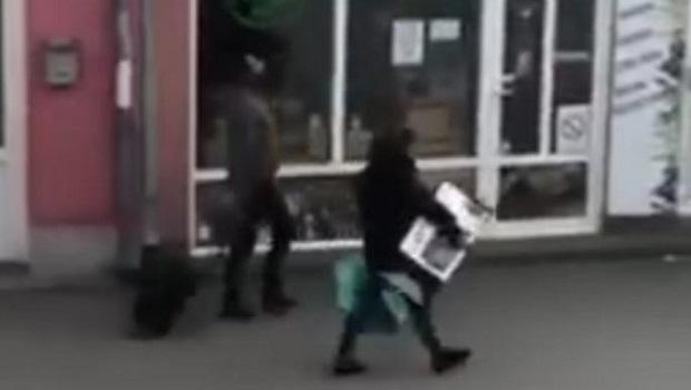 Photo of KORONA MI NE MOŽE NIŠTA, JA PIJEM RAKIJU: Najluđi poslednji policijski čas zabeležen u Petrovcu na Mlavi (VIDEO)