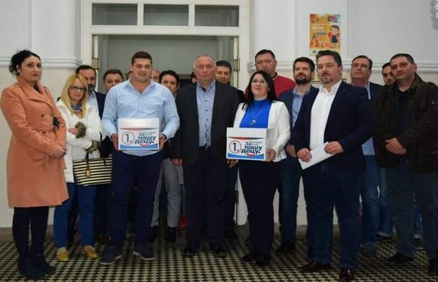 Photo of KAKO (NE) ZAPOSLITI OVOG ČLANA: Petrovački naprednjaci zanemariše i članstvo i znanje