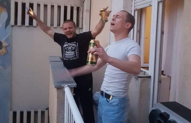 Photo of PESMOM OTPRATILI POLICIJSKI ČAS: Požarevljani proslavili ukidanje Vanrednog stanja (VIDEO)