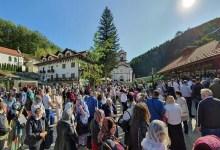 """Photo of GDE JE NESTALO ONO """"KOLIKO JE DAO BOG""""? Sveća u manastiru Tumane ni manje ni više nego 500 dinara!"""
