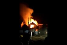 Photo of DETALJI DRAME KOD MALOG CRNIĆA: Ukrao rakiju i pivo, pa zapalio kuću s ocem i majkom unutra! (VIDEO)