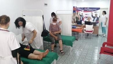 """Photo of JAPAN POKLONIO OPREMU DOMU ZDRAVLJA: Svilajnački naprednjaci sve spakovali u kombi i """"lečili"""" u stranačkim prostorijama"""