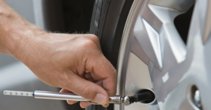 Check Tire Pressure >> How To Check Your Tire Pressure Tpms Direct