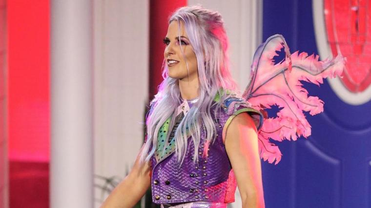 Candice LeRae Says She Does Not Have a Broken Arm – TPWW