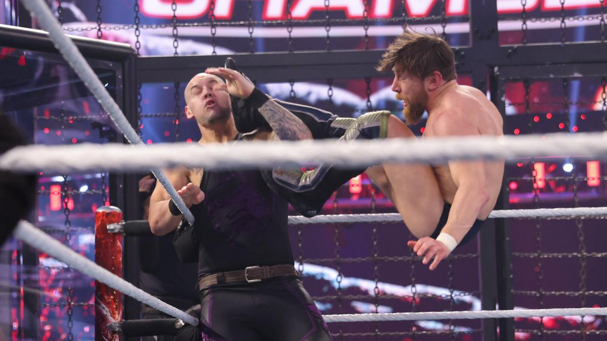 WWE Reportedly Ran Into Timing Issues with SmackDown Elimination Chamber Match – TPWW