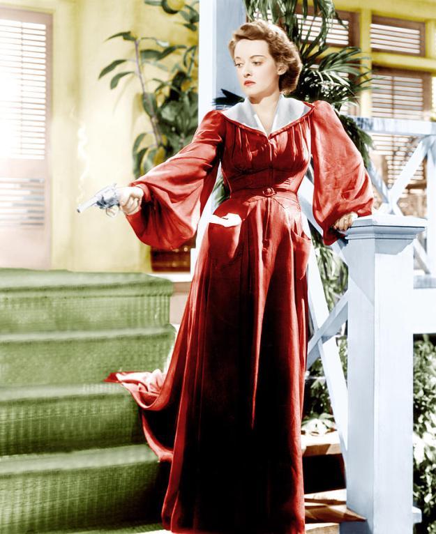 Davis as the murderess, Leslie Crosbie.