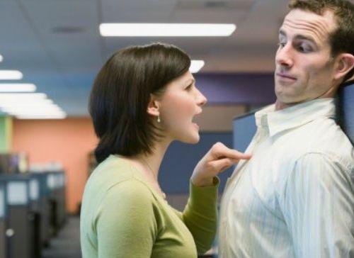 Cosas que hacen los jefes que desmotivan a los empleados.