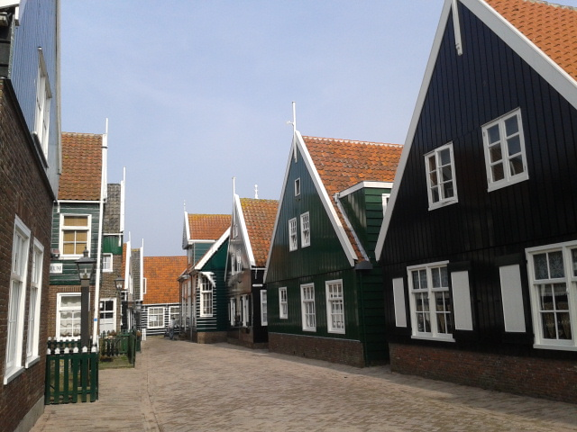 Marken entree village