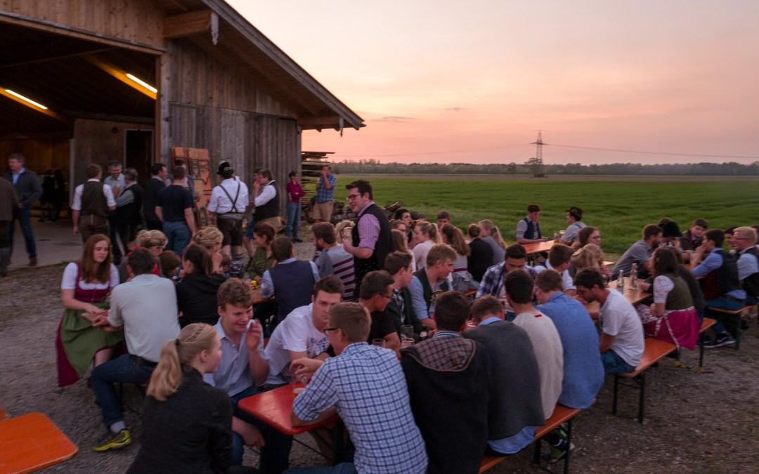 Grillen und Chillen beim gemeinsamen Grillfest von Trachtenverein Rossholzen und Altenbeuern