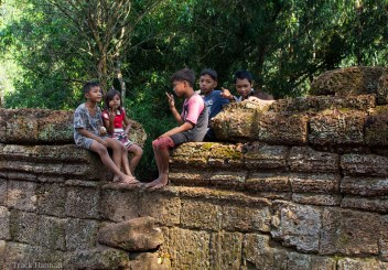 Cambodian kids at Angkor
