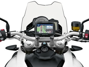BMW Motorrad presents digital accessories