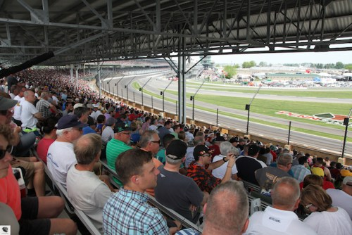 A large crowd watches the Freedom 100.