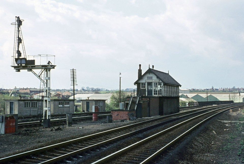Seen on 15th April 1972, Grantham North box has been closed since 20th February. Its role was absorbed into the new Grantham panel signal box situated in the former Grantham Yard box building. Photograph from The Charles Weightman and Alan Bullimore Collection.