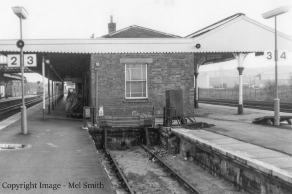 We are positioned on platform 2 / 3 adjacent to the bay, with the north face of the station buildings in view. Copyright Image - Mel Smith