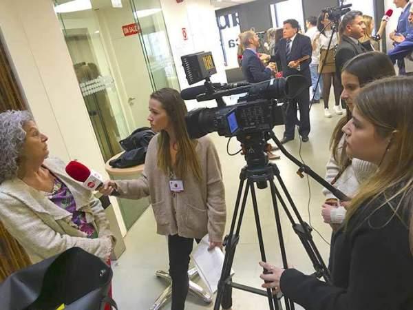 rueda de prensa conectados sin barreras alumnas reporterismo