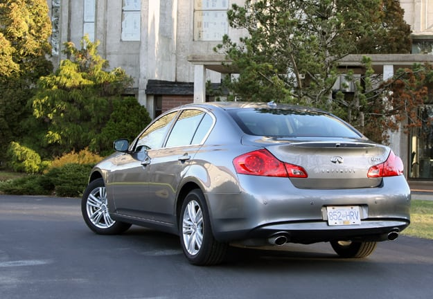 2011 Infiniti G25x Review rear
