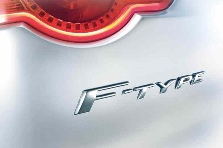 aguar F-Type to Debut in Paris