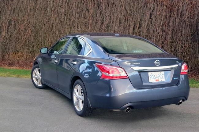 2013 Nissan Altima rear