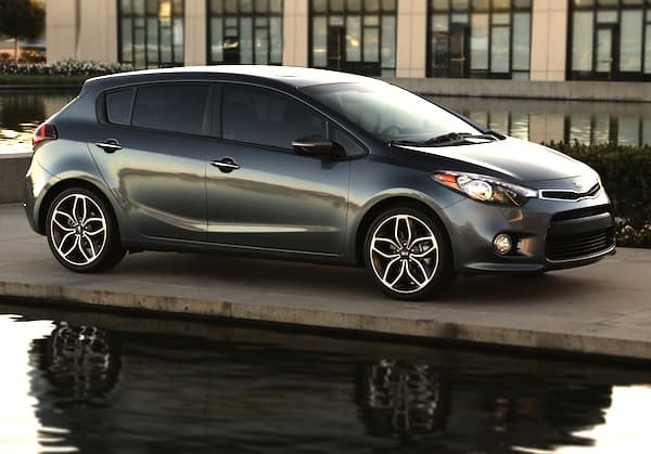 2014 kia forte 5 door and koup finds new style and powertrain. Black Bedroom Furniture Sets. Home Design Ideas