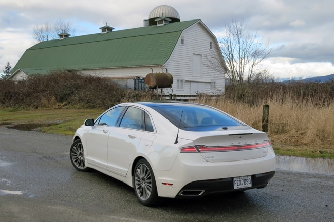 2014 Lincoln MKZ Hybrid Review rear