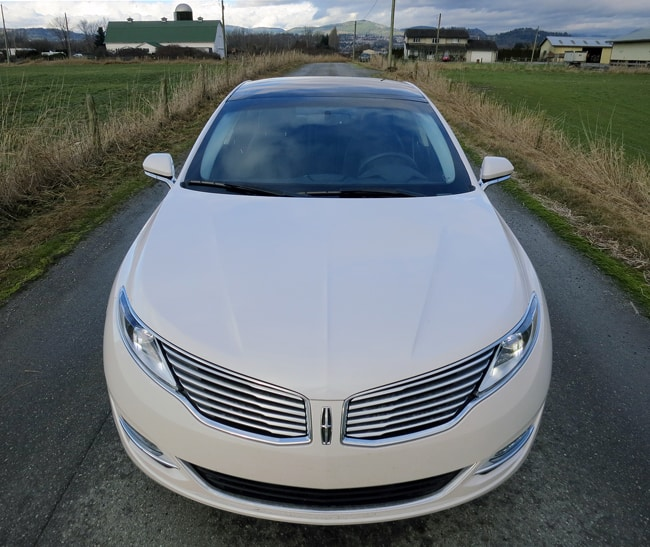2014 Lincoln MKZ Hybrid grill