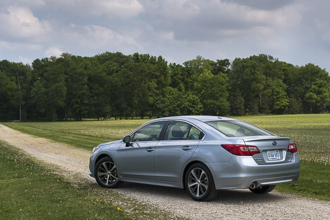 review 2015 Subaru Legacy rear view